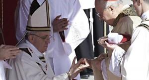 Cincin Nelayan Paus